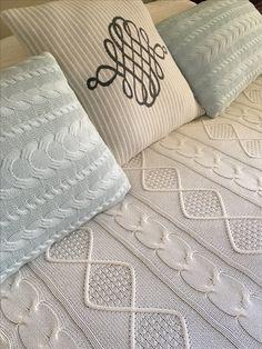 Colchas e almofadas de tricot