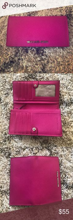 Michael Kors Snap Wallet Michael Kors Snap Full size wallet. Like new, barely used. Pink color. Has a lot of storage as shown in pictures. Michael Kors Bags Wallets