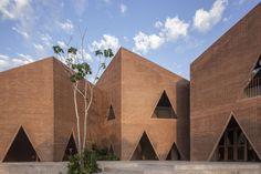 Gallery of Maria Montessori Mazatlán School / EPArquitectos + Estudio Macías Peredo - 10