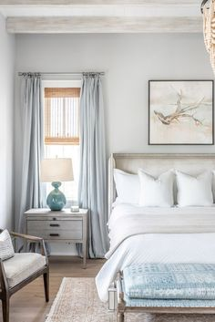Cheap Home Decor Coastal bedroom details with a soothing palette.Cheap Home Decor Coastal bedroom details with a soothing palette Home Bedroom, Modern Bedroom, Bedroom Furniture, Contemporary Bedroom Decor, Bedroom Romantic, Bedroom Classic, Furniture Makeover, 50s Bedroom, Coastal Master Bedroom