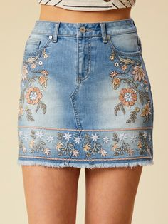 Altar & # d State Santa Clara Rock Denim Overalls, Denim Outfit, Denim Skirt, Denim Fashion, Fashion Outfits, 90s Fashion, Diy Clothes, Clothes For Women, Embroidered Clothes