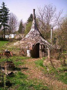 ooh- a marshwiggle house!