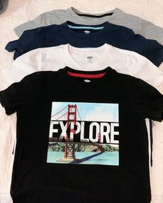bacde7ca45efa6 Old Navy Boy s Lot of 4 Graphic T Shirt Size 6-7 EUC  OldNavy
