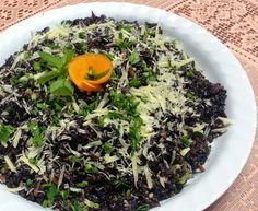 Arroz preto com brócolis