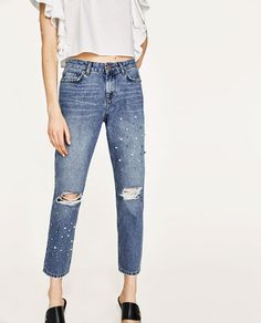 Image 2 of MID RISE JEANS WITH PEARL BEADS from Zara