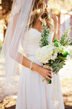 Pretty, simple wedding style