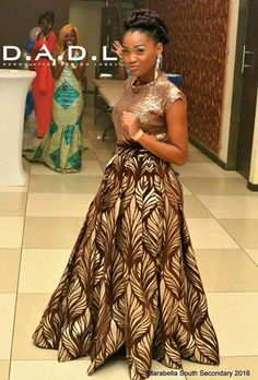 The recent most trending Pretty Exotic Ankara Long Gowns for the ladies. African Print Dress Designs, African Print Dresses, African Fashion Dresses, African Inspired Fashion, African Print Fashion, Formal Dresses For Weddings, Event Dresses, African Attire, African Wear