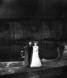 Claude Rains & Susanna Foster in The Phantom of the Opera (1943, dir. Arthur Lubin) (via)