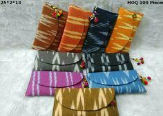 Ikkat wallets Tote Pattern, Purse Patterns, Expensive Purses, Trendy Purses, Potli Bags, Ethnic Bag, Designer Bags, Designer Handbags, Paper Flowers Diy