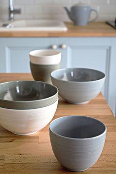 De enige collectie die je vanaf nu gaat gebruiken. De stijlvolle ZakDesigns soepkommen van de Fjord collectie zal je favoriete collectie worden. Het mooie ontwerp ontleent zijn stijl uit scandinavië. Het materiaal waaruit deze kom is gemaakt is melamine, dit heeft als grote voordeel dat dit vrijwel onbreekbaar is (en krasvrij). Gebruik het op vakantie of bij een picknick! Fjord, Ab Sofort, Tableware, Kitchen, Design, Dinnerware, Cooking, Tablewares, Kitchens