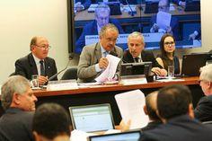 Comissão concluiu votação que cria 'distritão' e fundo público para campanha http://ift.tt/2i2KeGQ