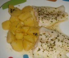 Filete de merluza y guarnición de patatas by coscas on www.recetario.es