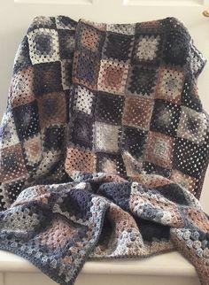 Crochet Granny Squares Blanket Crochet Blanket Granny Square Blanket 110 x by lesa Granny Square Crochet Pattern, Crochet Squares, Crochet Granny, Crochet Blanket Patterns, Crochet Stitches, Knitting Patterns, Sunburst Granny Square, Granny Square Blanket, Granny Squares