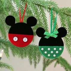 Disney crafts Felt - Mickey and Minnie Felt Christmas Ornaments Disney Ornaments, Felt Christmas Ornaments, Mickey Mouse Ornaments, Mickey Mouse Crafts, Christmas Nativity, Beaded Ornaments, Disney Diy, Disney Crafts, Disney Magic