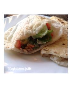 Czapati. Indyjskie chlebki ryżowe. Bezglutenowa pita bez drożdży. – Bezglutenowe jadło Chapati, Veg Recipes, Cooking Recipes, Healthy Recipes, Healthy Food, Paleo, Food And Drink, Rolls, Bread