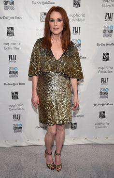 Julianne Moore en robe Saint Laurent par Hedi Slimane à la 25ème cérémonie des Gotham Independent Film Awards à New York http://www.vogue.fr/mode/inspirations/diaporama/les-meilleurs-looks-de-la-semaine-dcembre-2015/24078#julianne-moore-en-robe-saint-laurent-par-hedi-slimane-la-25me-crmonie-des-gotham-independent-film-awards-new-york