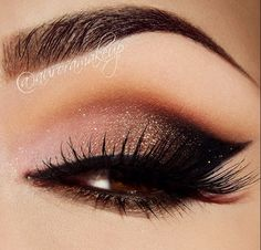 Winged eyeshadow