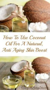 Using coconut oil for anti aging is a natural way to give skin a boost. Discover several easy methods to apply it to fight wrinkles and fine lines. Coconut Oil For Eczema, Coconut Oil Facial, Coconut Oil Moisturizer, Coconut Oil Lotion, Homemade Moisturizer, Coconut Oil Uses, Benefits Of Coconut Oil, Homemade Eye Cream, Benefits Of Organic Food