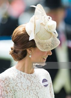 Catherine, Duchess of Cambridge attends day 2 of Royal Ascot at Ascot Racecourse on June 8, 2016 in Ascot, England.  (Photo by Samir Hussein/Samir Hussein/WireImage)