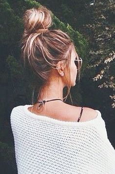 Perfect messy bun hairstyle inspiration easy tutorials for perfect messy bun hairstyle inspiration easy tutorials for short hair pmusecretfo Gallery