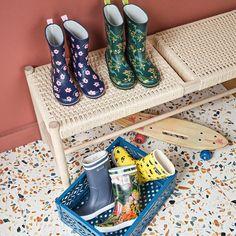 Wellington Boot, Pop, Rubber Rain Boots, Really Cool Stuff, Slip On, Flats, Stylish, Heels, Products