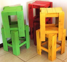 Too cute! Pallet kid stools!