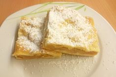 blechkuchen The apple pie with shortcrust pastry is a traditional flour dessert from Austria. Here is the recipe. Pastry Dough Recipe, Pastry Recipes, Baking Recipes, Cake Recipes, Dessert Recipes, Desserts, Apple Recipes Video, Austrian Recipes, Puff Recipe