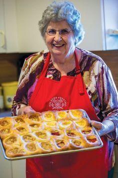 The Czech Queen of Kolache Bez práce nejsou koláče—without work, there are no kolaches. Lydia Mae Faust is the Czech Queen of Kolache. And she's my aunt. Slovak Recipes, Czech Recipes, Hungarian Recipes, German Recipes, Strudel, Czech Desserts, Just Desserts, Croissants, Sauerkraut