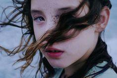 A 21 ans elle Réalise de Fascinants Photos Portraits de ses Proches