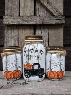 Half Pint Mason Jars, Ball Mason Jars, Mason Jar Gifts, Mason Jar Diy, Halloween Mason Jars, Halloween Ball, Christmas Mason Jars, Halloween Backdrop, Halloween Crafts