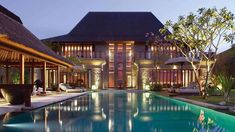 Bali home architecture design - Bali is a paradise on earth! I'm sure you agree with this statement if you've been to the Bali Island, Indonesia. Come to Bali Bulgari Villa Bali, Bali Villa, Bulgari Resort Bali, Bali Resort, Resort Villa, Hotels In Bali, Hotels And Resorts, Luxury Resorts, Style At Home