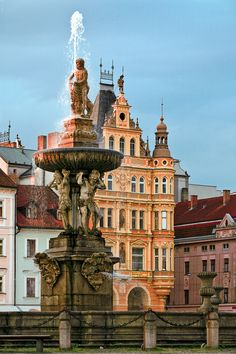 Ceske Budejovice, Czech Republic (by Robert Schüller)      6 hours ago    656 notes    ceske budejovice  czech republic  budweis  bohemia  column  architecture  europe