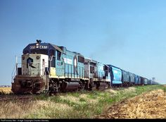 Net Photo: CRIP 4373 Chicago, Rock Island & Pacific (Rock Island) EMD at Hennessey, Oklahoma by Charles Stookey Rock Island Railroad, Islands In The Pacific, Burlington Northern, Railroad Photography, Model Trains, Locomotive, The Rock, Chicago, United States