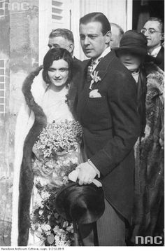 Actress Pola Negri married Georgian nobleman Serge Mdivani on 14 May 1927 in Rueil