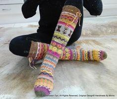 Àhhku Kirjoneulesukat Allepolven malli.  Handknitted cute cat- socks, my own desing <3  https://www.facebook.com/Handmade-By-Minna-918765948170281/?ref=aymt_homepage_panel