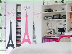 With so many teen bedroom styles to go for, it can be a minefield to choose the right fit for your teen daughter. Check out these popular trends to help you on your quest. Bedroom Decor For Teen Girls, Teen Girl Rooms, Teenage Girl Bedrooms, Teenage Room, Bedroom Ideas, My New Room, My Room, Restaurant Hotel, Paris Rooms