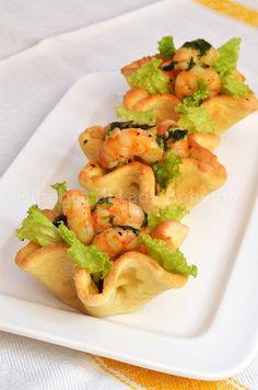 hiperica_lady_boheme_blog_di_cucina_ricette_gustose_facili_veloci_antipasti_cestini_di_pasta_sfoglia_con_gamberetti_2