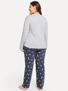 c42c3e95bc4 Plus Feather   Letter Print Pajama Set -SheIn(Sheinside)
