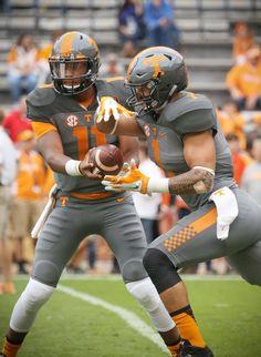 Josh Dobbs and Jalen Hurd College Football Teams, Ncaa College, Football Uniforms, Football Helmets, Tennessee Volunteers Football, Tennessee Football, Tennessee Girls, East Tennessee, Advantage Sports