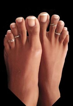 French Tip Toes, French Pedicure, Pretty Toe Nails, Pretty Toes, Nice Toes, Soft Feet, Beautiful Toes, Feet Nails, Foot Toe