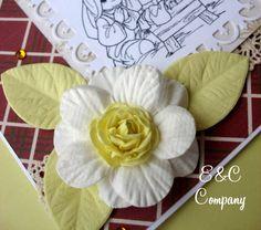 Cartão confeccionado com flores e papéis E&C Company http://www.ccompany.com.br