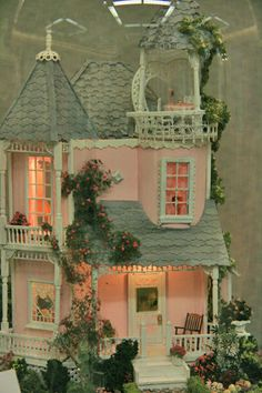 quarter scale dollhouse - I am going to have a pink dollhouse someday. I hope!