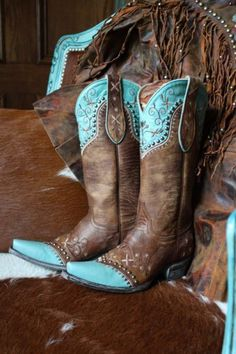 Old Gringo Turquoise/Brown Vera Boots from Cowgirl Kim