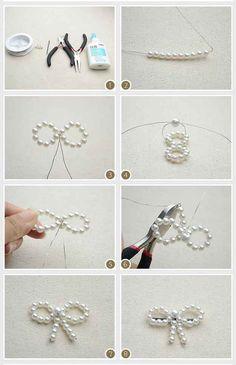 Algo sencillo y romántico como este moño de perlas falsas.