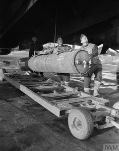 Handley Page Halifax, Maximum Effort, Rubber Raincoats, Free In French, Vintage Air, Ww2 Aircraft, Modern History, Royal Air Force, Old Trucks
