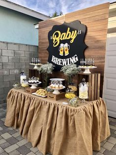 A Baby Is Brewing Baby Shower Party Ideas Ein Baby braut Babyparty-Partei-Ideen Baby Q Shower, Man Shower, Diaper Shower, Baby Shower Games, Baby Shower Parties, Shower Party, Baby Shower For Men, Coed Baby Shower Food Ideas, Baby Shower Barbeque
