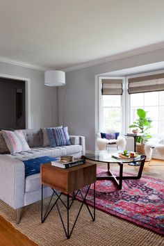 Photography : Amy Bartlam   Design : Natalie Myers Of Veneer Designs Read More on SMP: http://www.stylemepretty.com/living/2015/02/24/mid-century-mod-home-tour-in-castle-heights/