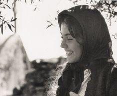 young Greek woman 1960 (CRETE by John Donat, Crete University Press) Corfu Greece, Athens Greece, Greece Pictures, Old Greek, Crete Island, Matou, Greek Culture, Simple Photo, Famous Photographers