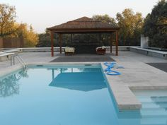 Reforma integral de Chalet en la sierra de Madrid Madrid, Sierra, Outdoor Decor, Home Decor, Single Wide, Chalets, Pools, Blue Prints