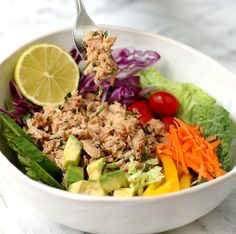 AD For a healthy lunch or a quick weekday dinner checkout our recipe for Quick & Easy Thai Tuna Power Rainbow Bowl made with Yellowfin T. Diet Dinner Recipes, Paleo Dinner, Recipes For Beginners, Great Recipes, Skinny Recipes, Healthy Recipes, Food Now, Quick Meals, Yellowfin Tuna
